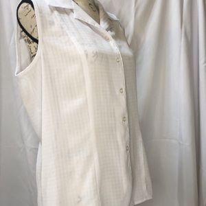 Joanna Large women's white short sleeve blouse
